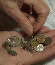 За кой? - Рада приняла Закон об увеличении прожиточного минимума и минимальной зарплаты